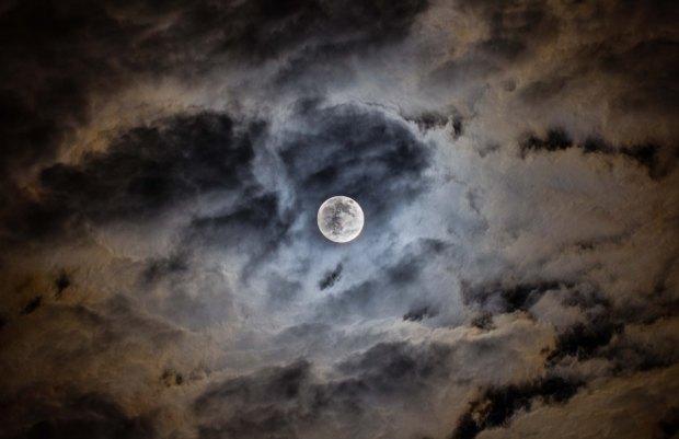 mond mit wolken (1 von 1)